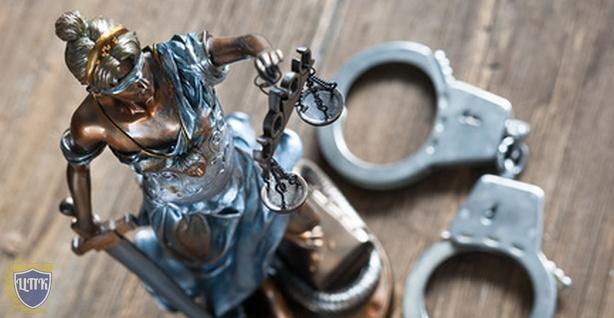 Конституционный Суд РФ признал конституционным задержание и доставление в полицию участников одиночных пикетов, мотивируя это заботой о их здоровье и безопасности