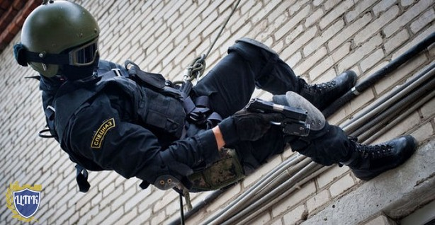 Антитеррористические меры или полицейское государство?