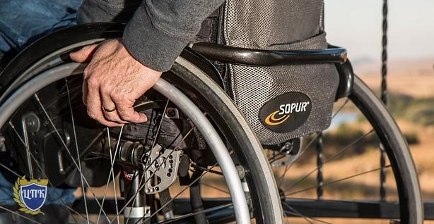 За отказ инвалидам в обслуживании юр.лицам грозит штраф на сумму до 100 000 руб.