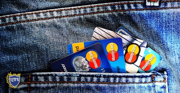 Ассоциация банков России предложила блокировать банковскую карту получателя при получении подозрительных платежей.