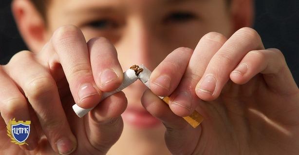 Штрафы и аресты: родители будут наказаны за курение детей