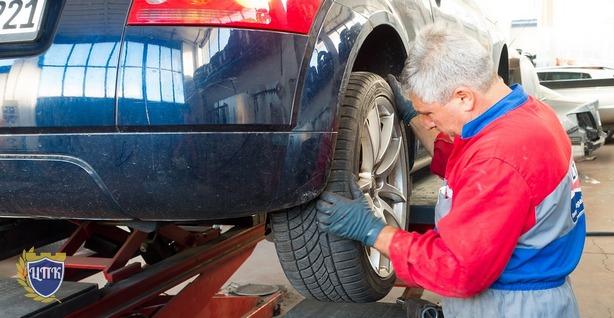 Срок ремонта автомобиля и срок устранения дефектов такого ремонта по ОСАГО не может превышать 30 дней.